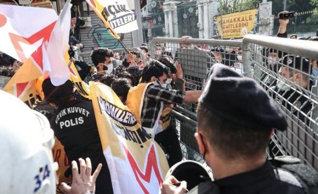 Taksim'e Çıkmak İsteyen Onlarca Kişi Gözaltına Alındı