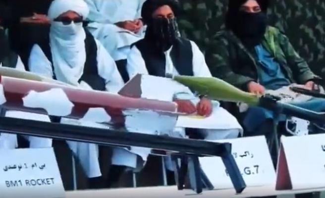 Taliban, Afgan Televizyonundan Gövde Gösterisi Yaptı: Bombalar, İntihar Yelekleri, Silahlar Gösterildi