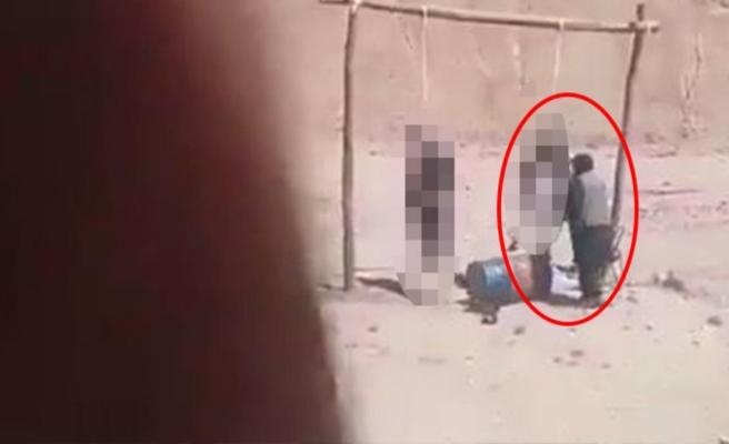 Taliban'ın korkunç idam anı Dar ağacındaki esirin son hareketi tüyleri diken diken etti