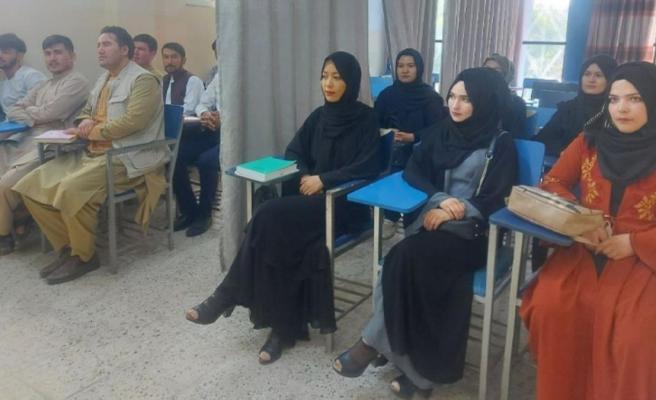 Taliban kadın ve erkek öğrencileri perdeyle değil tamamen ayıracak Farklı sınıflarda ders görecekler
