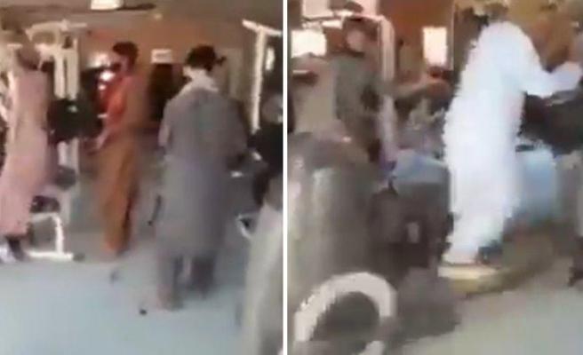 Taliban Üyelerinin Afganistan Başkanlık Sarayının Spor Salonunda Spor Yaptıklarını İddia Eden Video