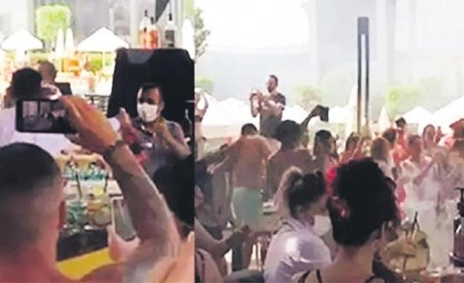 Tam kapanmada Antalya'da düzenlenen parti tepki çekti