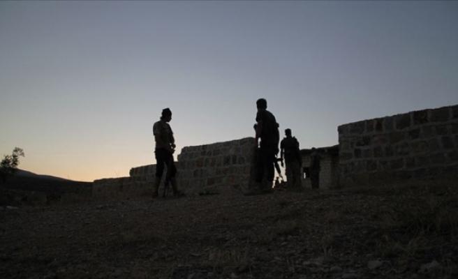 Terör örgütü YPG/PKK ile ÖSO arasında çatışma