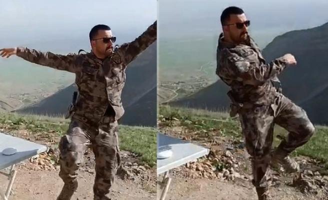Teröristler Tarafından Şehit Edilen Özel Harekat Polisi Veli Kabalay'ın Duygulandıran Zeybek Videosu