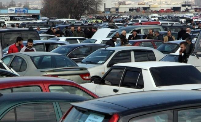 Trafiğe kayıtlı araç sayısı Ekim'de 68 bin 69 adet arttı