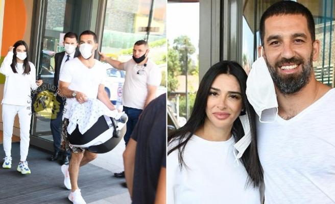 Turan çifti hastane çıkışı görüntülendi