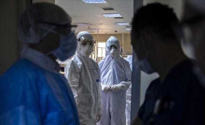 Türkiye'de Koronavirüs: Son 24 Saatte 5 Bin 955 Yeni Vaka Tespit Edildi, 84 Kişi Hayatını Kaybetti