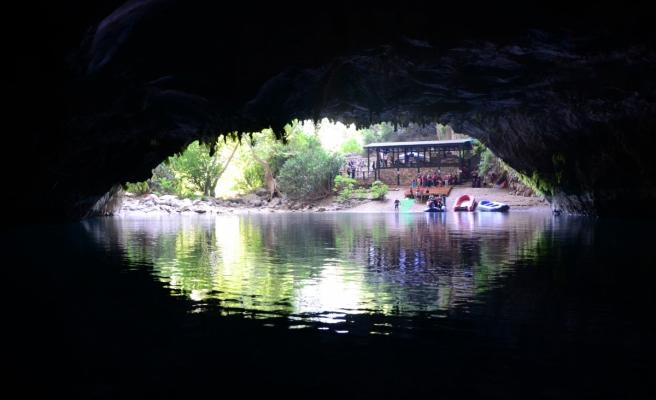Türkiye'nin en uzun yeraltı gölü mağarası yeniden ziyaretçileri ile buluştu