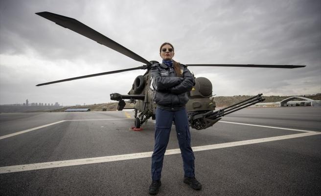 Türkiye'nin İlk Kadın Taarruz Helikopter Pilotu Özge Karabulut İle Tanışın!
