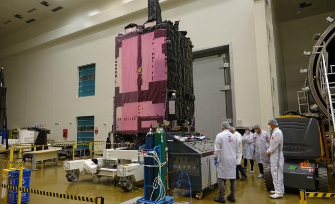 Türkiye'nin ilk milli haberleşme uydusu Türksat 6A'yı 'Space X' fırlatacak