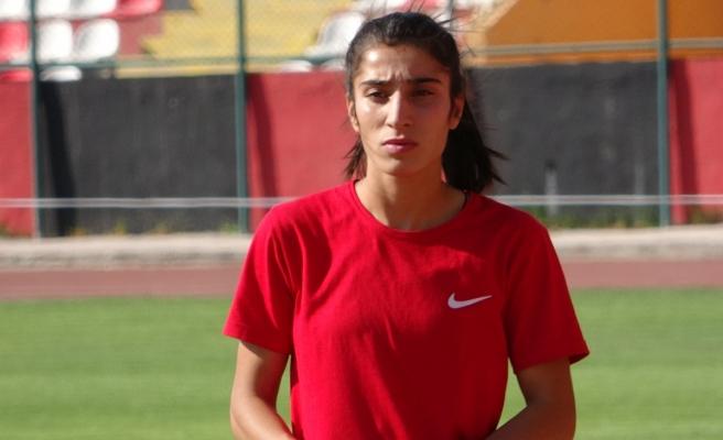 Türkiye rekortmeni milli sporcu Nevin İnce Avrupa Şampiyonası'na hazır