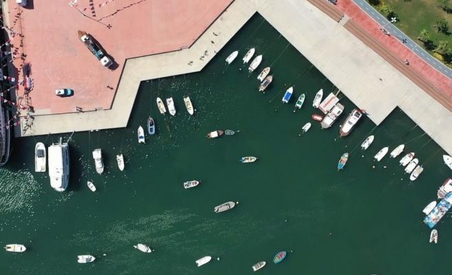 Tuzla'da temizleme çalışmaları sonuç verdi, deniz eski rengine döndü