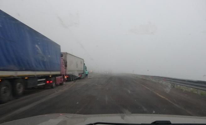 Ulgar geçidinde yoğun sis: Görüş mesafesi 5 metreye düştü