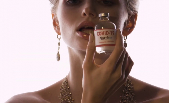 UNICEF'in Kovid-19 Aşılarının Zengin Ülkeler Tarafından Alınıp, Haksız Dağıtımına Dikkat Çeken Reklam Filmi