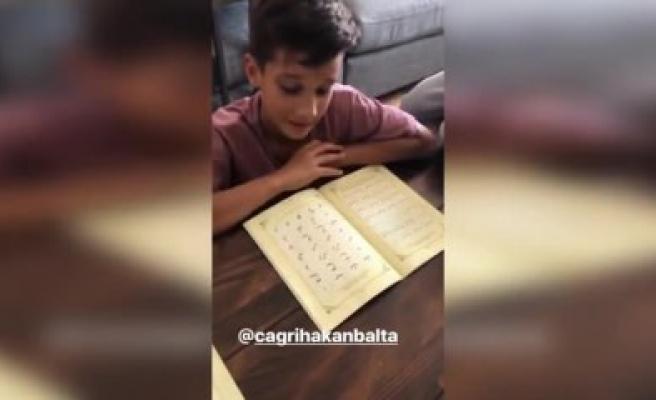 Ünlü futbolcunun çocukları Kur'an-ı Kerim öğreniyor