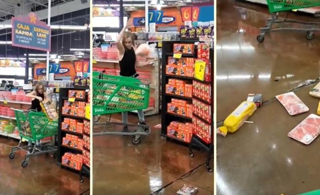 Uyarılara Karşın Markette Maske Takmayan Kadın Sepetine Koyduğu Ürünleri Etrafa Fırlattı!