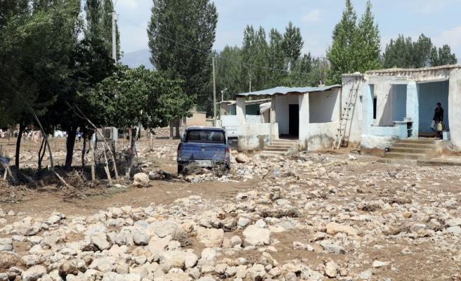 Van'da selden etkilenen mahallelerde çalışmalar sürüyor