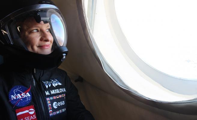 Yanardağda Astronot Kıyafetiyle Dolaşıyorlar: Amaç, Uzaydan Örnek Toplamanın Zorluğunu Kanıtlamak