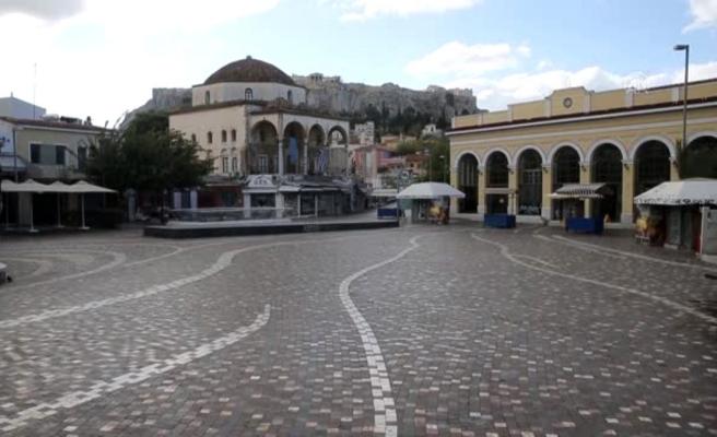 Yunanistan, artan koronavirüs vakaları nedeniyle ikinci kez karantina altına alındı