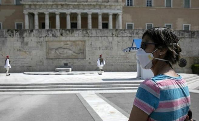 Yunanistan'da koronavirüs salgınının başından bu yana en yüksek günlük ölüm sayısı kaydedildi