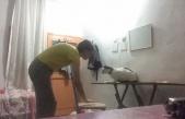 Görme Engelli Kedisine Çıktığı Masadan İnmeyi Öğreten Mükemmel İnsan