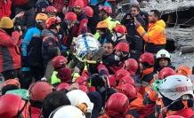 Canlı Blog | Can Kaybı 22'ye Yükseldi, En Az 40 Kişi Enkazdan Sağ Çıkarıldı