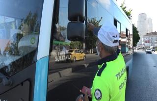 14 Gezgin Kapasiteli Minibüsten 37 Kişi Çıktı,...