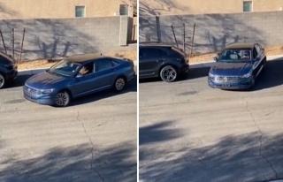 2 Aracın Arasına Park Etmeye Çalışan Şoföre...