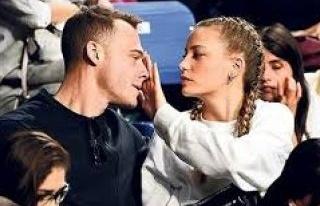 Serenay Sarıkaya ve Kerem Bürsin'den aşk dolu bakışlar
