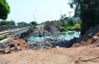 Selin yıktığı köprüde fore kazık çalışmaları...