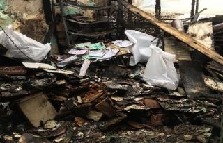 (Özel) Beyoğlu'nda avukatın ofisinde çıkan yangında...