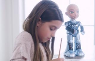 Meşhur Robot Sophia'nın Küçük Kardeşi 'Little...