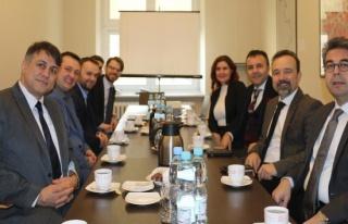 Türk koleji bilişim teknolojileri vizyonunu Polonya'ya...