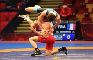 Avrupa Güreş Şampiyonası'nda 3 yarı final