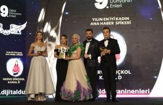 Yılın en iyi kadın ana haber spikeri: Merve Dinçkol...