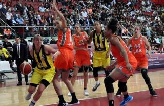 27. Kadınlar Cumhurbaşkanlığı Kupası: Fenerbahçe:...