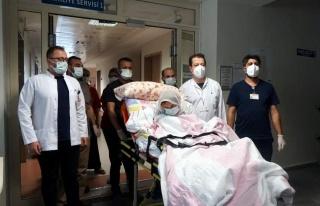 3 Doz Aşı Yaptıran 108 Yaşındaki Kadın Koronavirüsü...