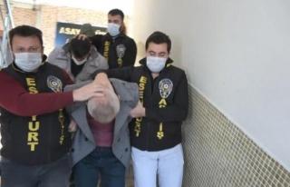 95 Yaşındaki Kadının Bileziklerini Gasp Eden Şüpheliler,...