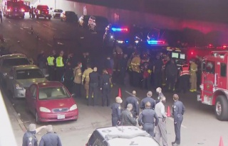 ABD'de araç yayaların arasına daldı: 3 ölü,...