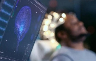 ABD'de felçli insanın beyni ilk kez kablosuz olarak...