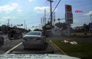 ABD'de kaza yapan sürücü, araç patlamadan önce...