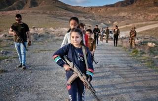 ABD'li eski askerler, Ermeni köylerinde çocuklara...