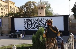ABD'nin Kabil'de Terk Ettiği Elçiliğinin Duvarına...