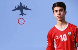 ABD tahliye uçağının kanadından düşen Afgan...