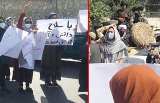 Afgan kadınlar sokakta! Taliban üyelerinin karşısına...