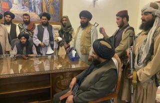 Afganistan'da kontrolü ele geçiren Taliban genel...
