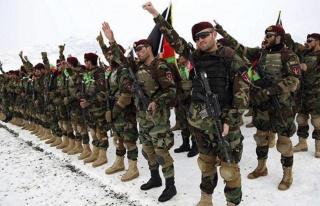 Afganistan ordusu, bir avuç Taliban'a nasıl diz...
