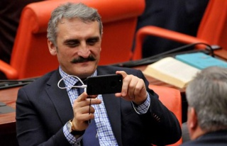 AKP'li Çamlı, Rektörlük Esprisini Ciddiye Aldı:...