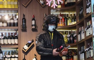 Alkollü İçecek Yasağı Tartışmaları Sürüyor:...
