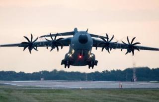 Alman Uçağının Kabil'den 7 Kişiyle Havalanması...